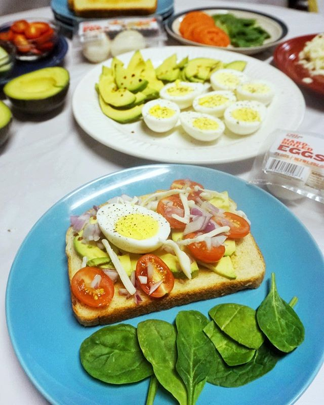 how do you do breakfast? #ad my family loves having breakfast together 🍳 setting up a build your own #avocadotoast station with @greatdayfarms hard-boiled eggs makes our breakfast #eggceptionallygreat 💕 . . available from the deli section at your local #Walmart + get $0.50 off a pack of 6 using Ibotta coupon app! 💸 . . . #breakfast #breakfastideas #brunch #avocadotoast #mealprep #healthyfood #metrodetroit #thehappynow #thenewhealthy #easymealprep #familytime