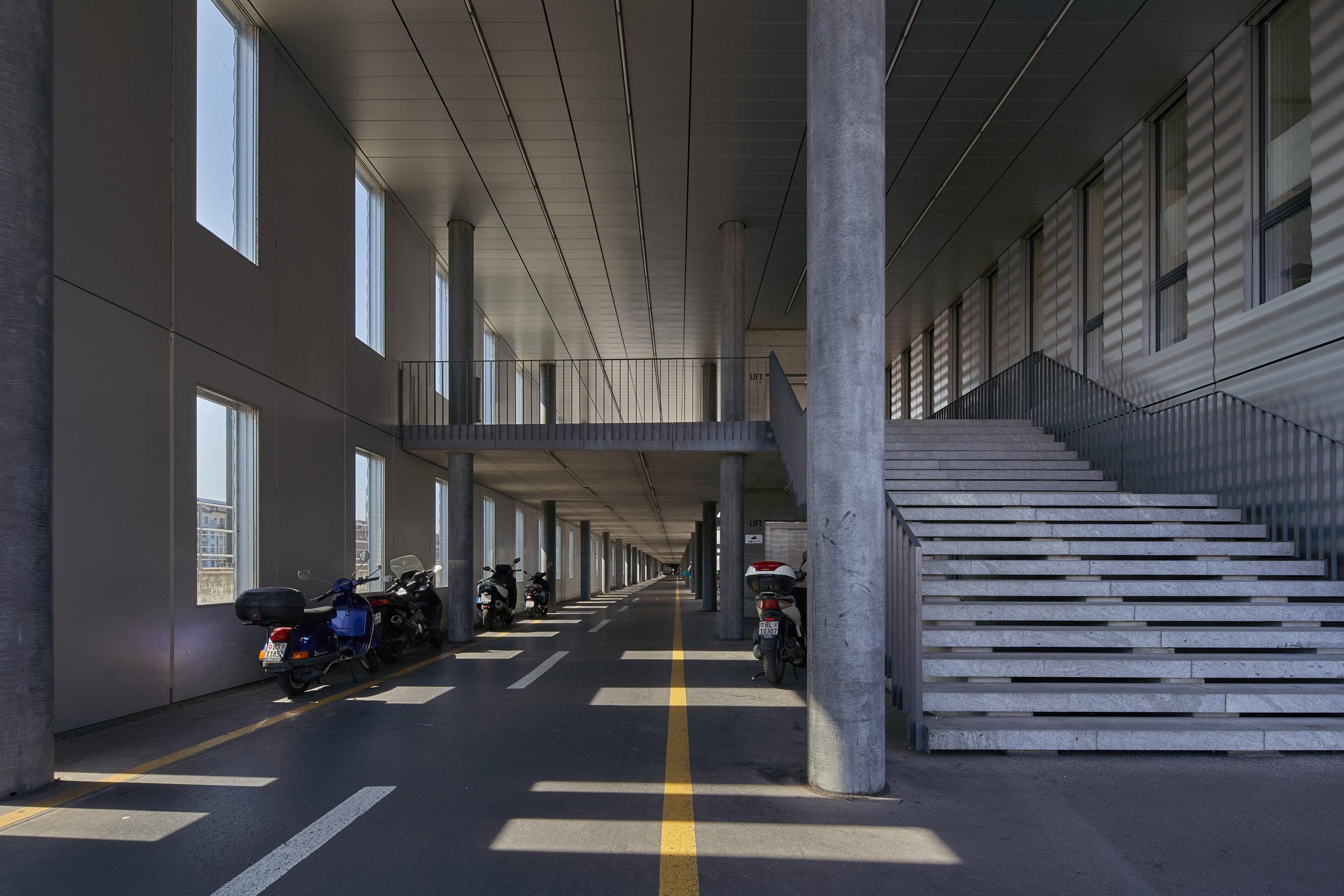 bikeroad tunnel.jpg