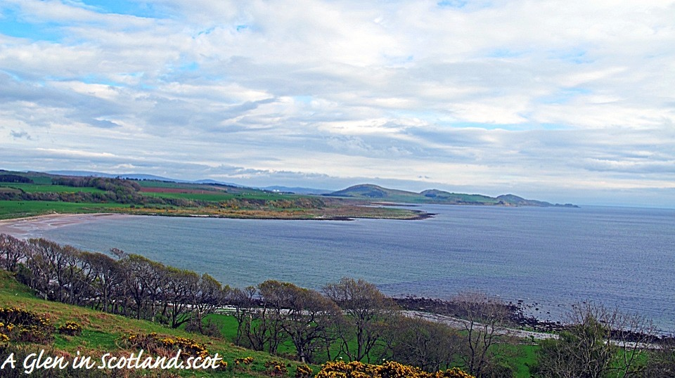 Scalpsie Bay looking out from Isle of Bute to Suidhe Chatain, Tor Mor, and Suidhe Bhlain