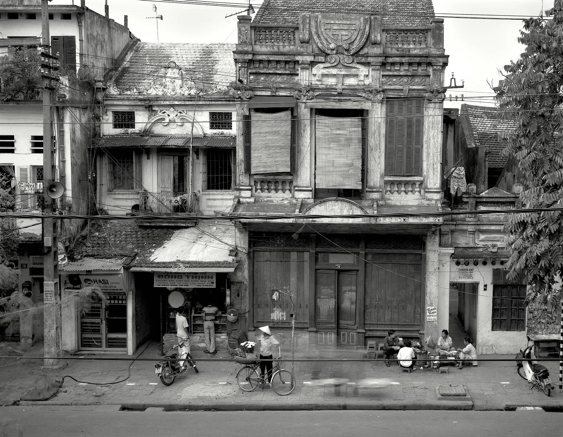 Hang-Bong-Street,-Hanoi---1998.jpg
