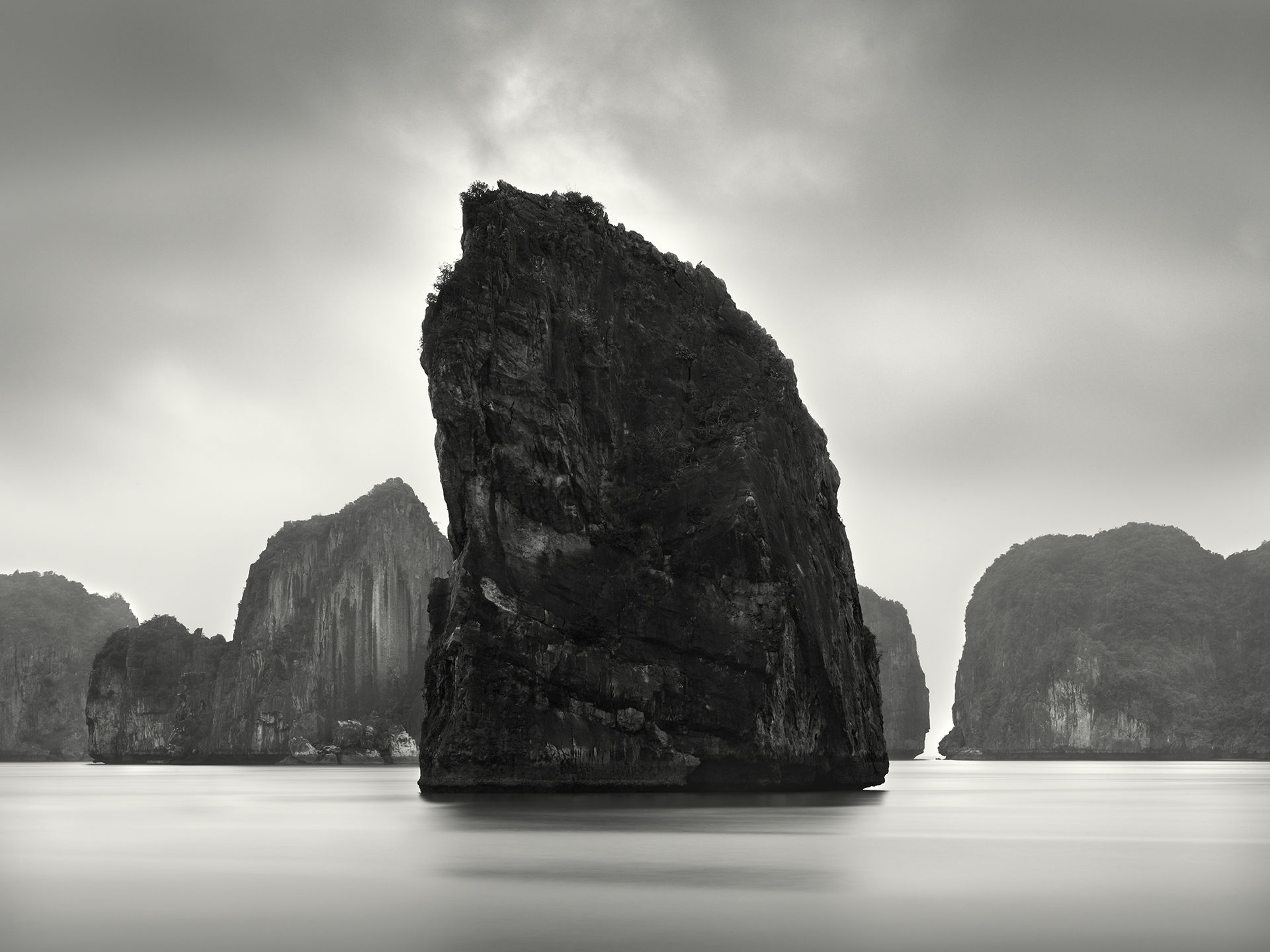 Black Karst, Ha Long Bay - 2011.jpg