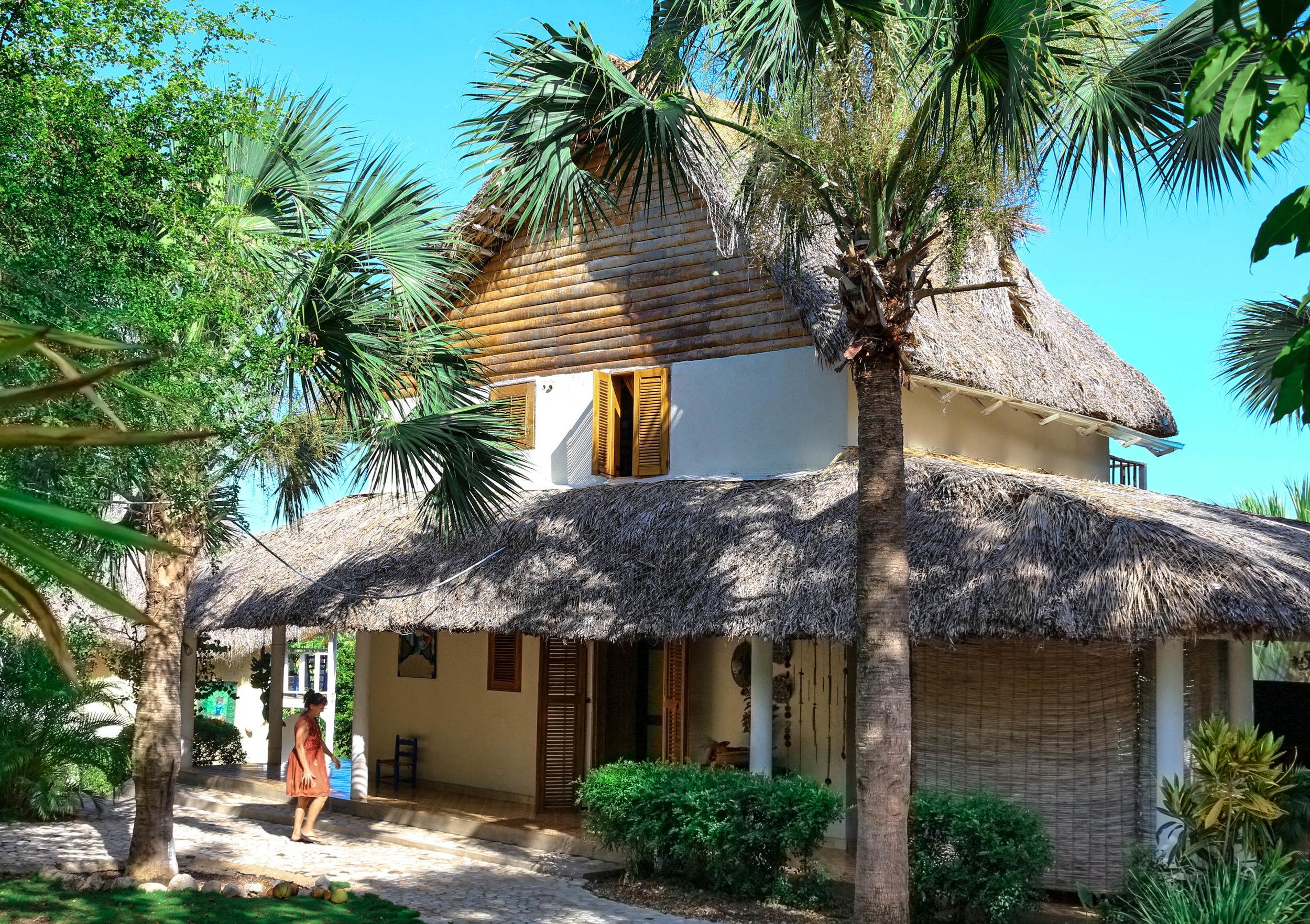 Chic Chateau Villa Eco Friendly Design