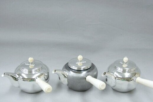 GINSENDO - Pure Silverware (teapots and kettles)