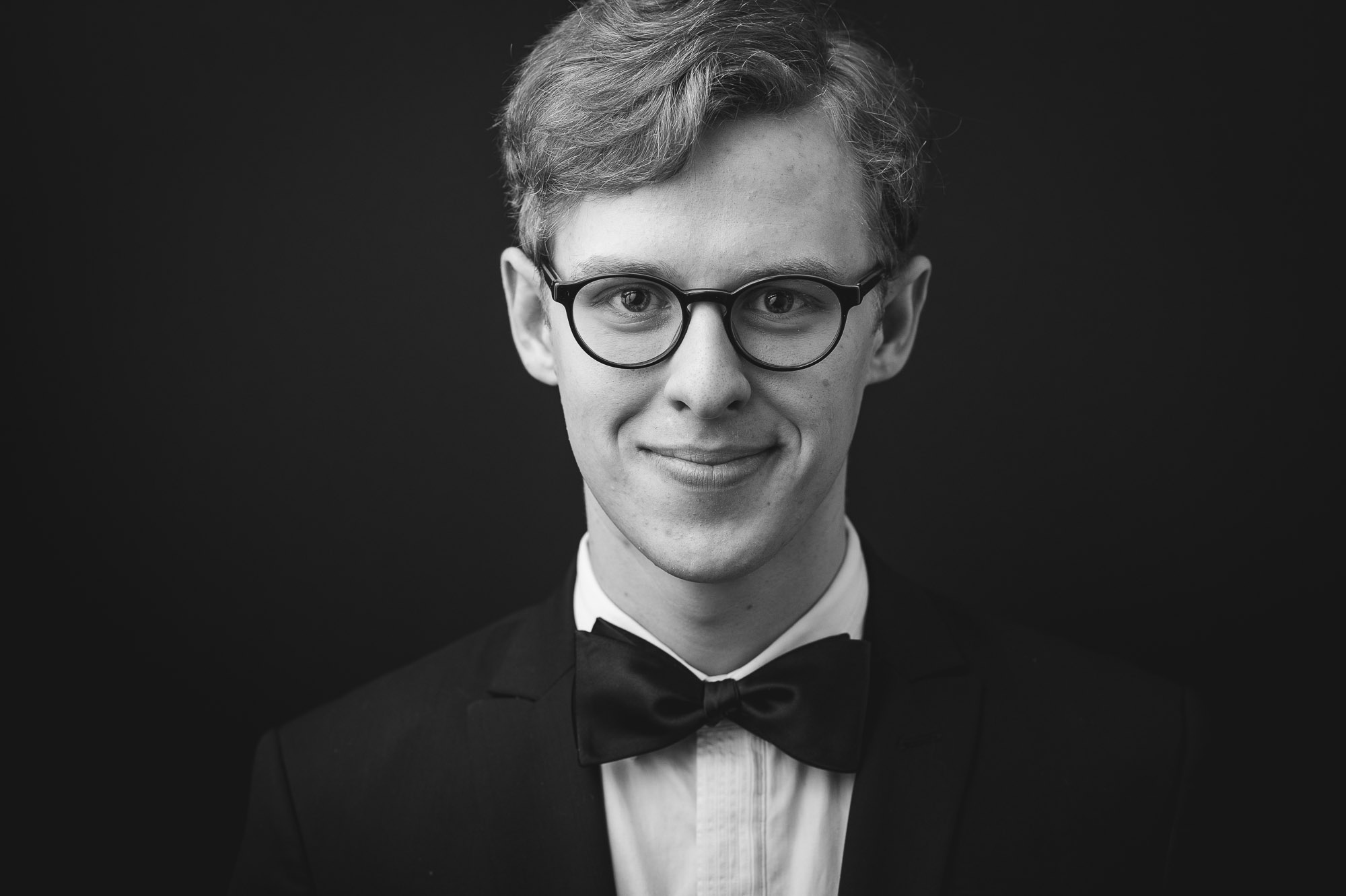 musician-christopher-gaudreault-black-and-white-headshot-suit
