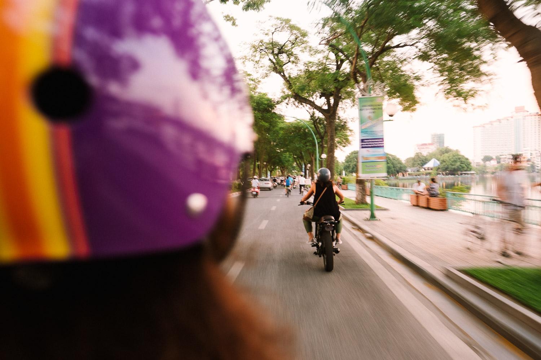 scooter-in-vietnam-hanoi-photographer-alex-tran