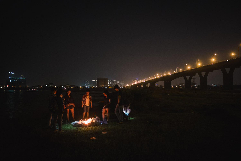 vietnam-campfire-bridge-hanoi