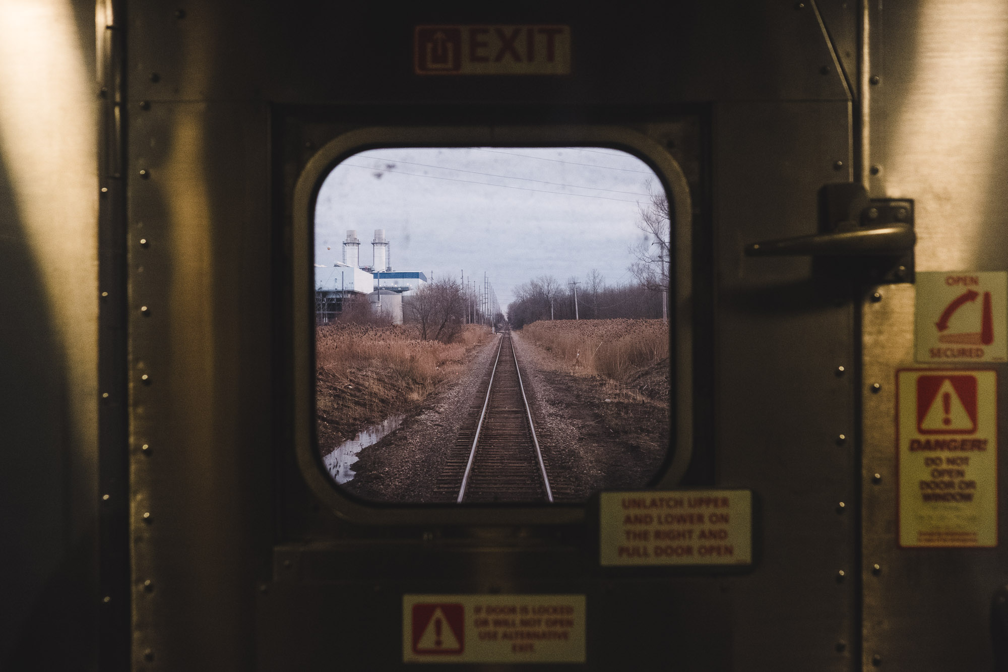 photo-taken-from-train-new-york