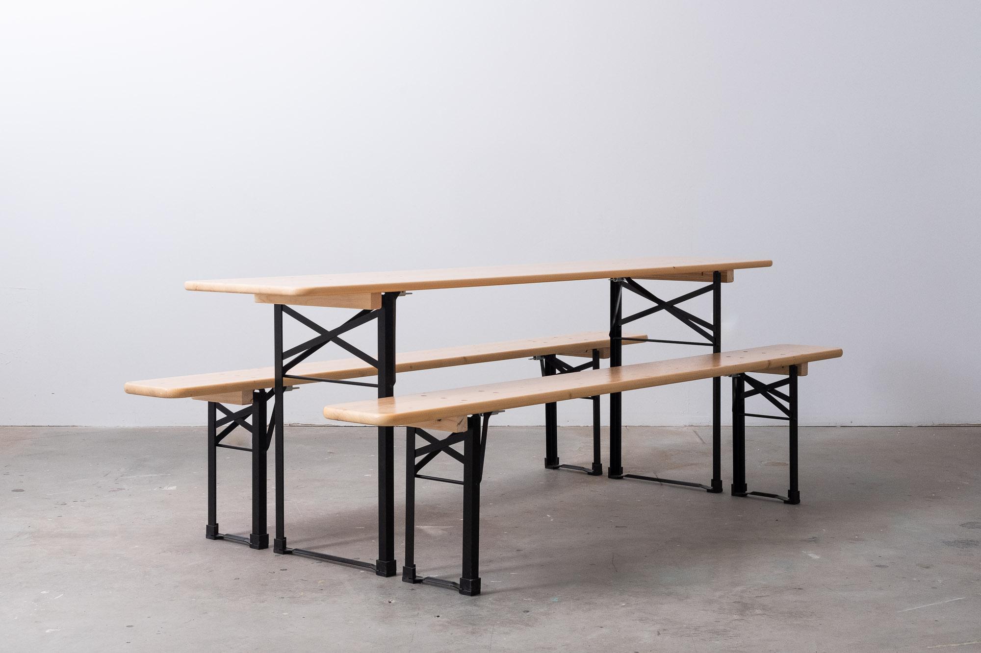 mtlbeergarden-table