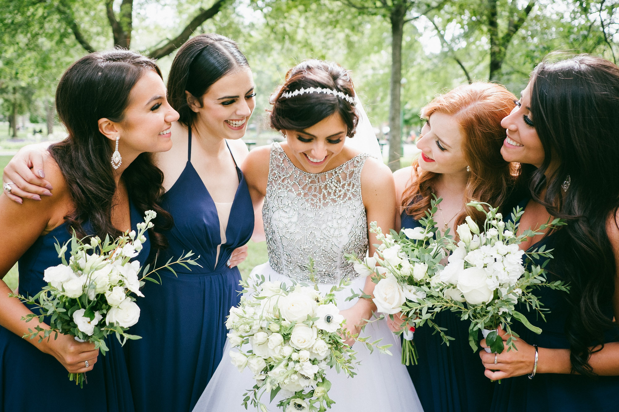 bridesmaids-and-bride-after-ceremony-montreal-wedding-photographer-alex-tran