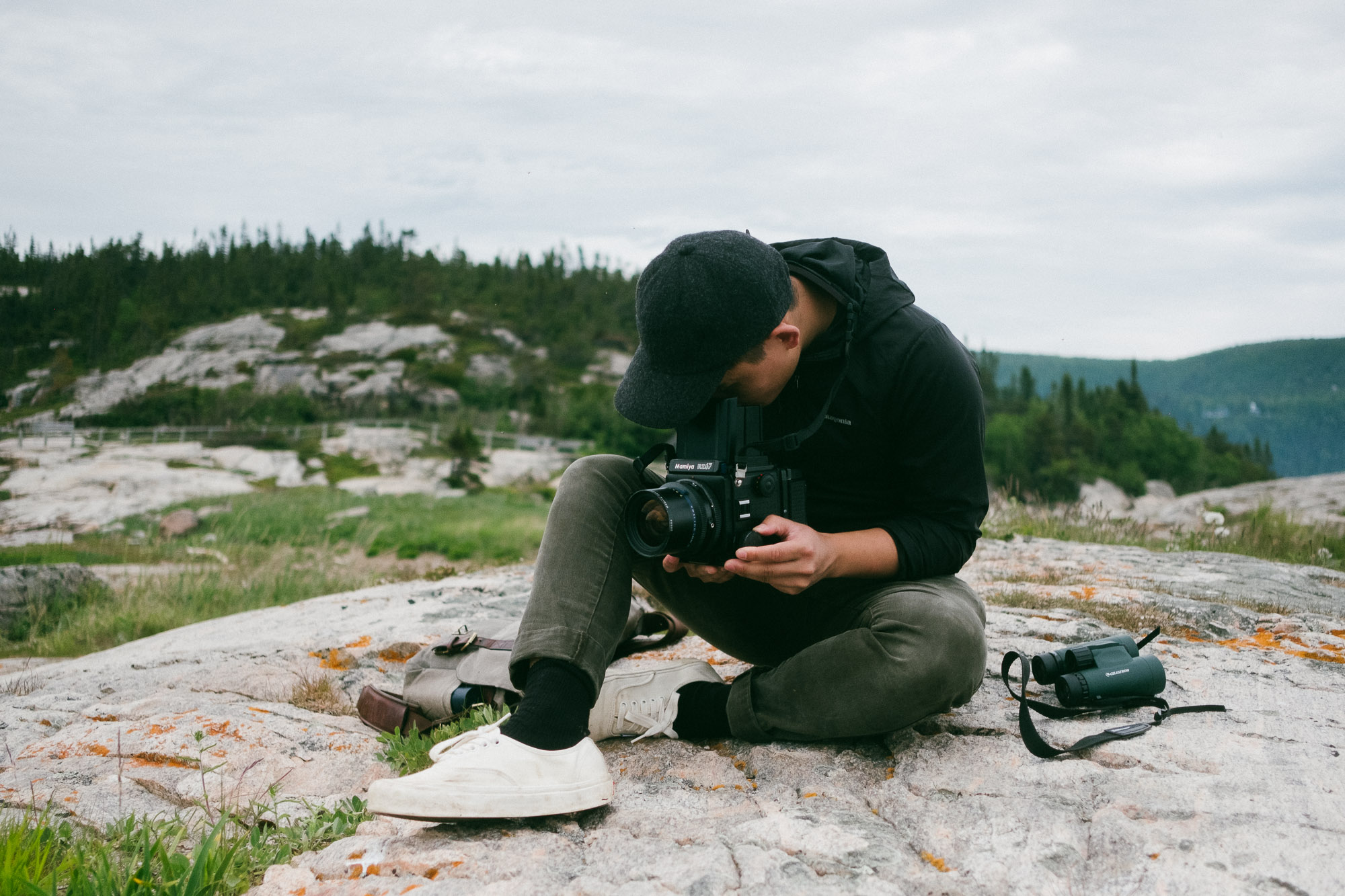 photo-of-alex-tran-in-nature-taking-photos