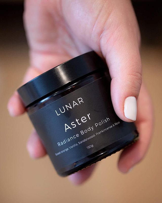 Oh sweet Aster. Beautifully smoothing on parched + dry skin, flooding your senses with ultra feminising rose 🌙🌹✨