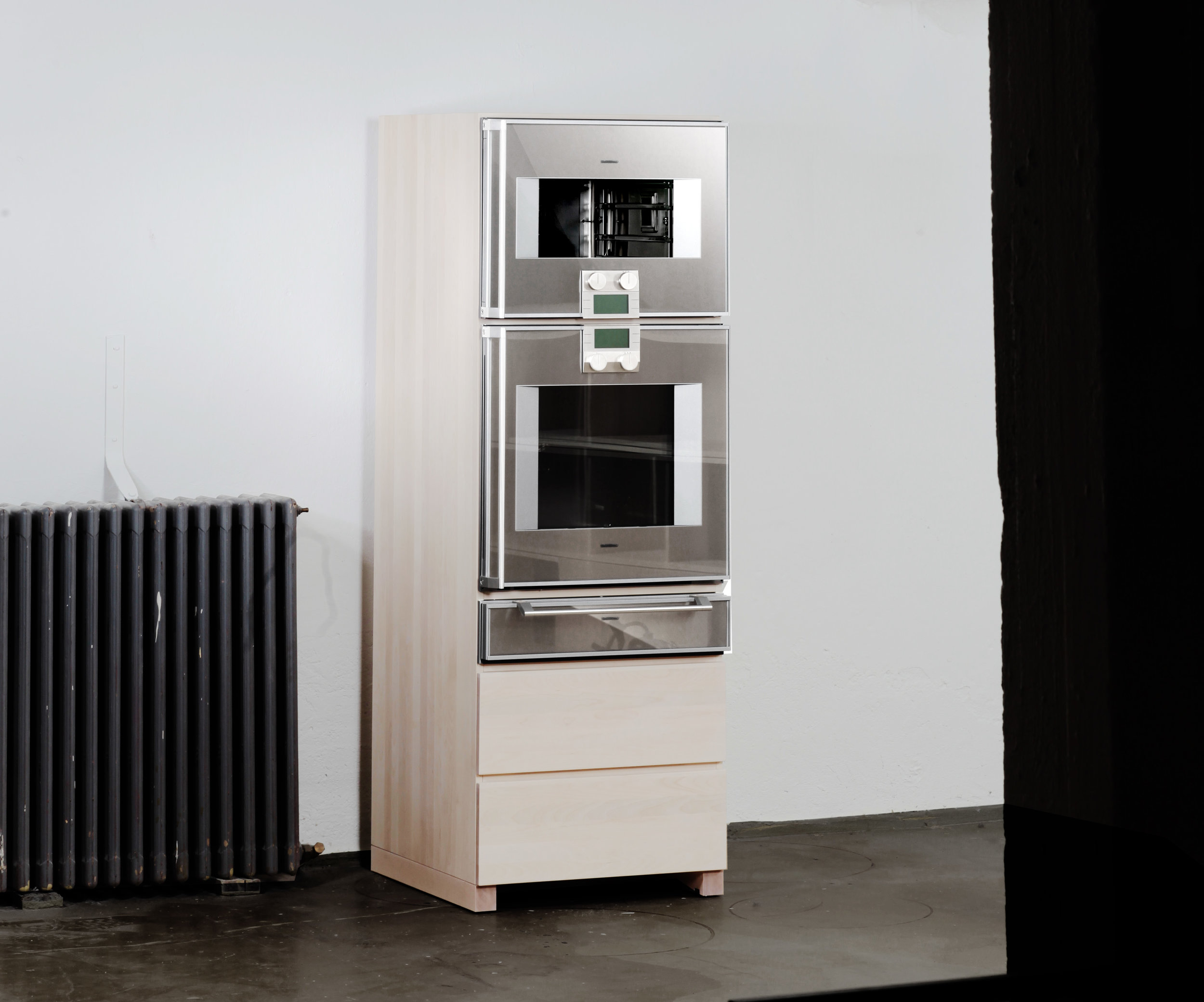 CARGO KITCHEN - OVEN UNIT / Free standing oven unit with two drawers for pots and pans.