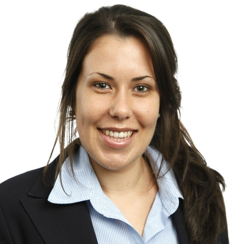 Simone Belcher works for Gary Lucas Financial Advice serving clients in Byron Bay