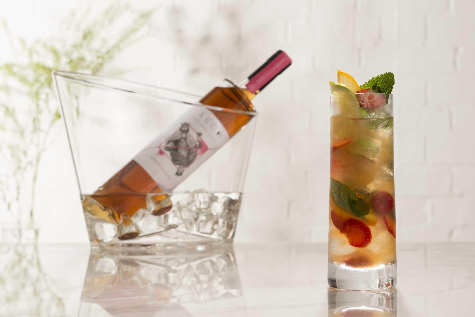 MONTI COBBLER - Amontillado sherry, seasonal fruits, lime, an optional dash of soda.