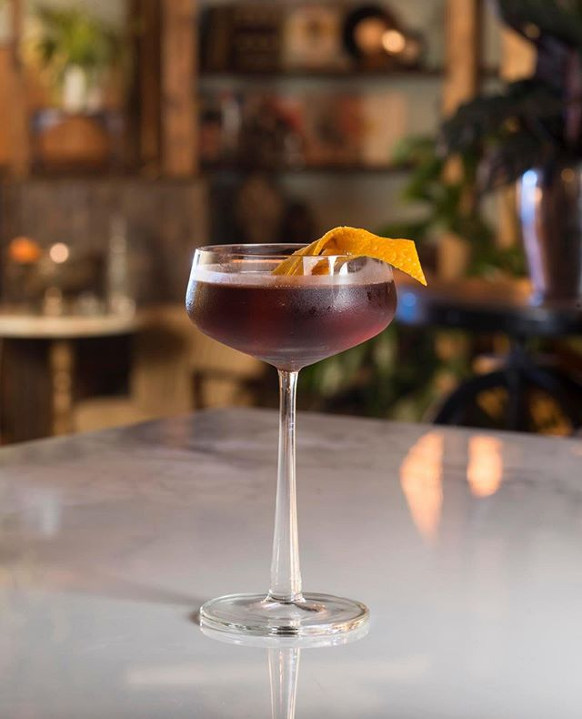 The XECO'NI is our special riff on a Negroni. Deliciously dry, and less boozy than the original classic cocktail, this makes it a great little after-work sipper.⁣⠀ ⠀ With just four ingredients, it's also super easy to whip up at home!⁣ Just combine XECO Fino, Sweet Vermouth, Campari (@campariofficial) and Solerno Blood Orange Liqueur and serve in a chilled coupe glass with a slice of orange.⠀ ⁣⠀ Enjoy!⁣⠀ ⁣⠀ #givemeaxeco #xecowines⁣ #negroniweek⁣⠀