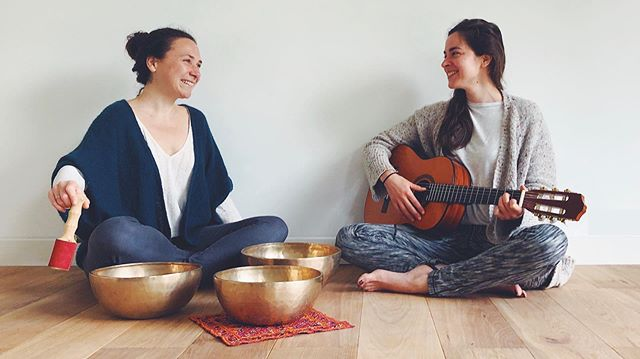 Relaxation sonore ce jeudi à Wimereux avec Capucine #mantras #bolstibetains #cristal #singing #songs #meditation #bakti #yoga #wimereux #hautsdefrance