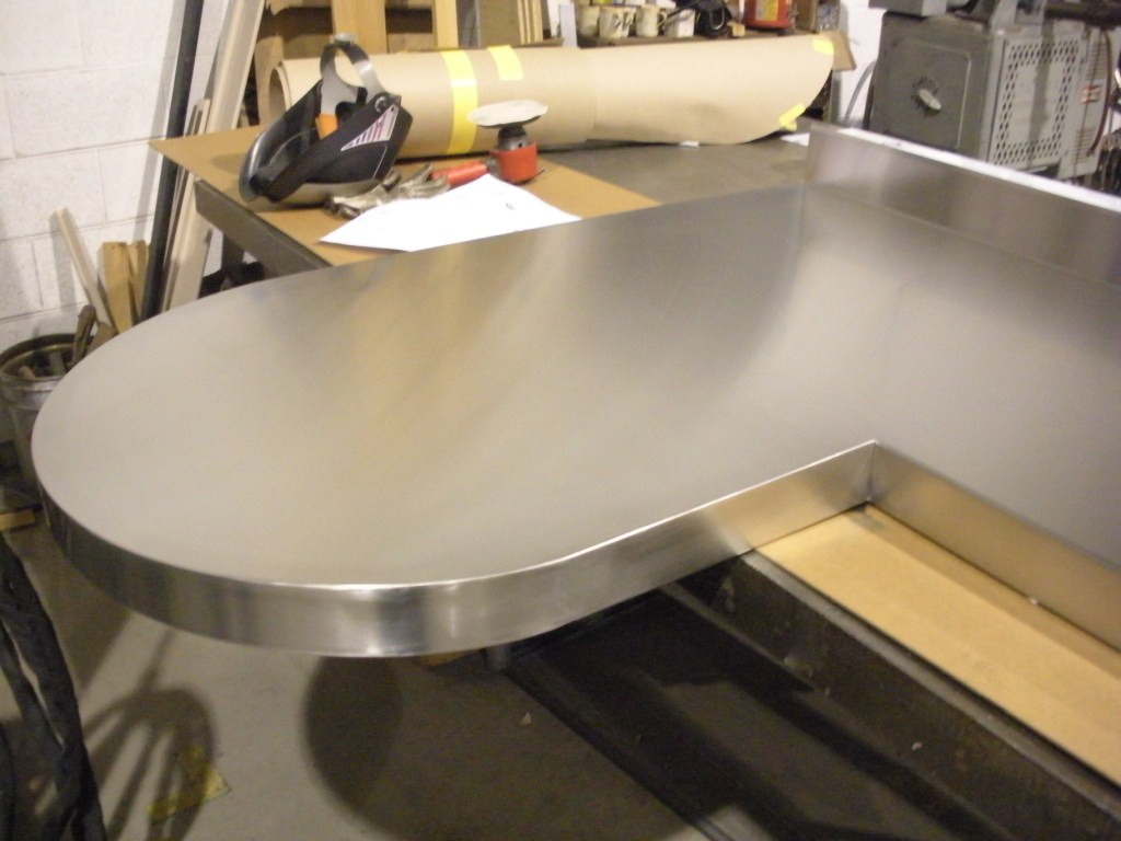L-shaped Countertop with Arc.jpg