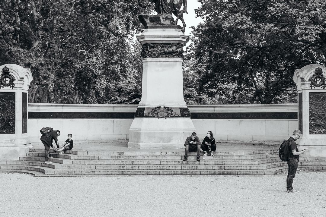 Monochrome City - London