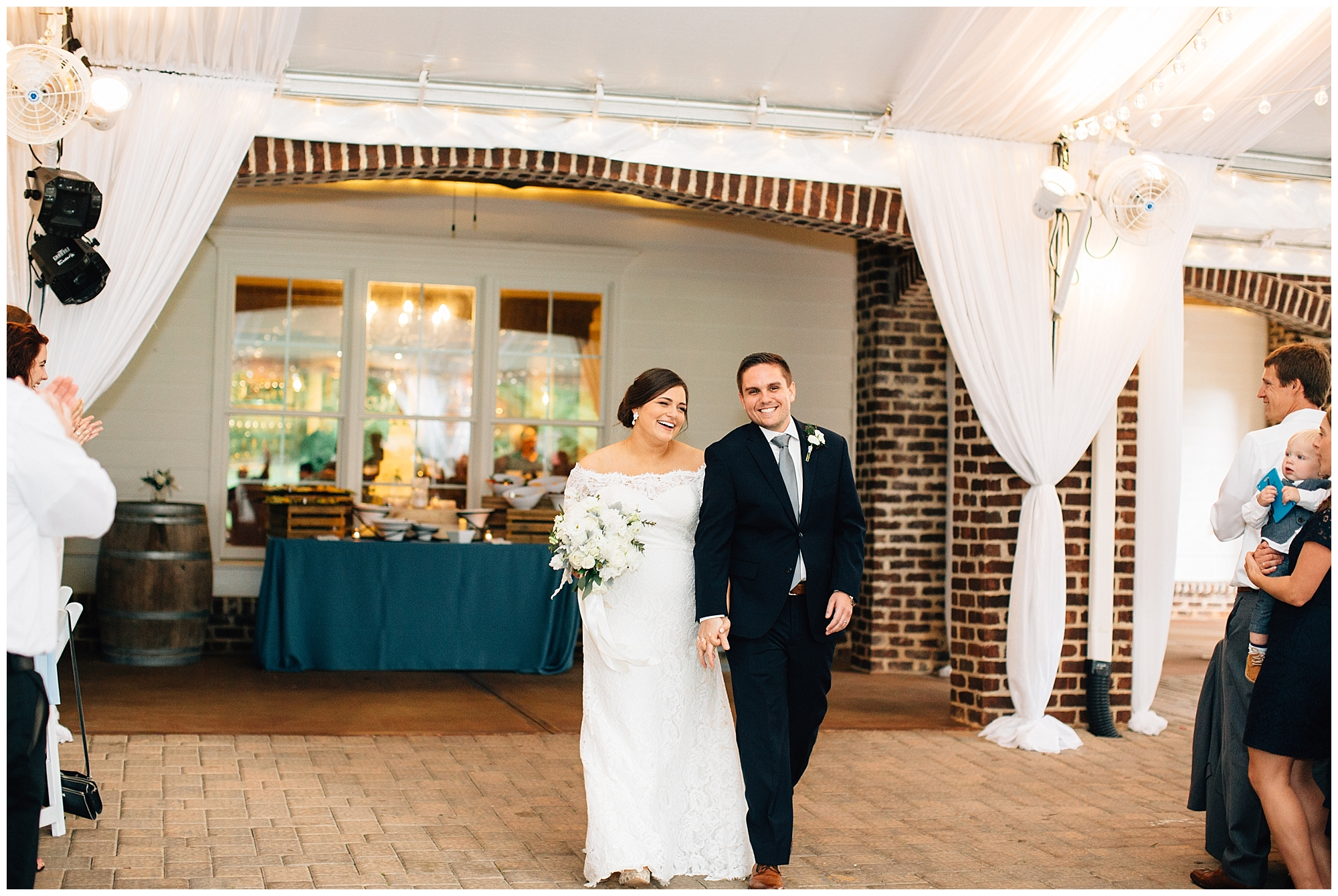 Oaks-at-salem-wedding-apex-photography-89.jpg