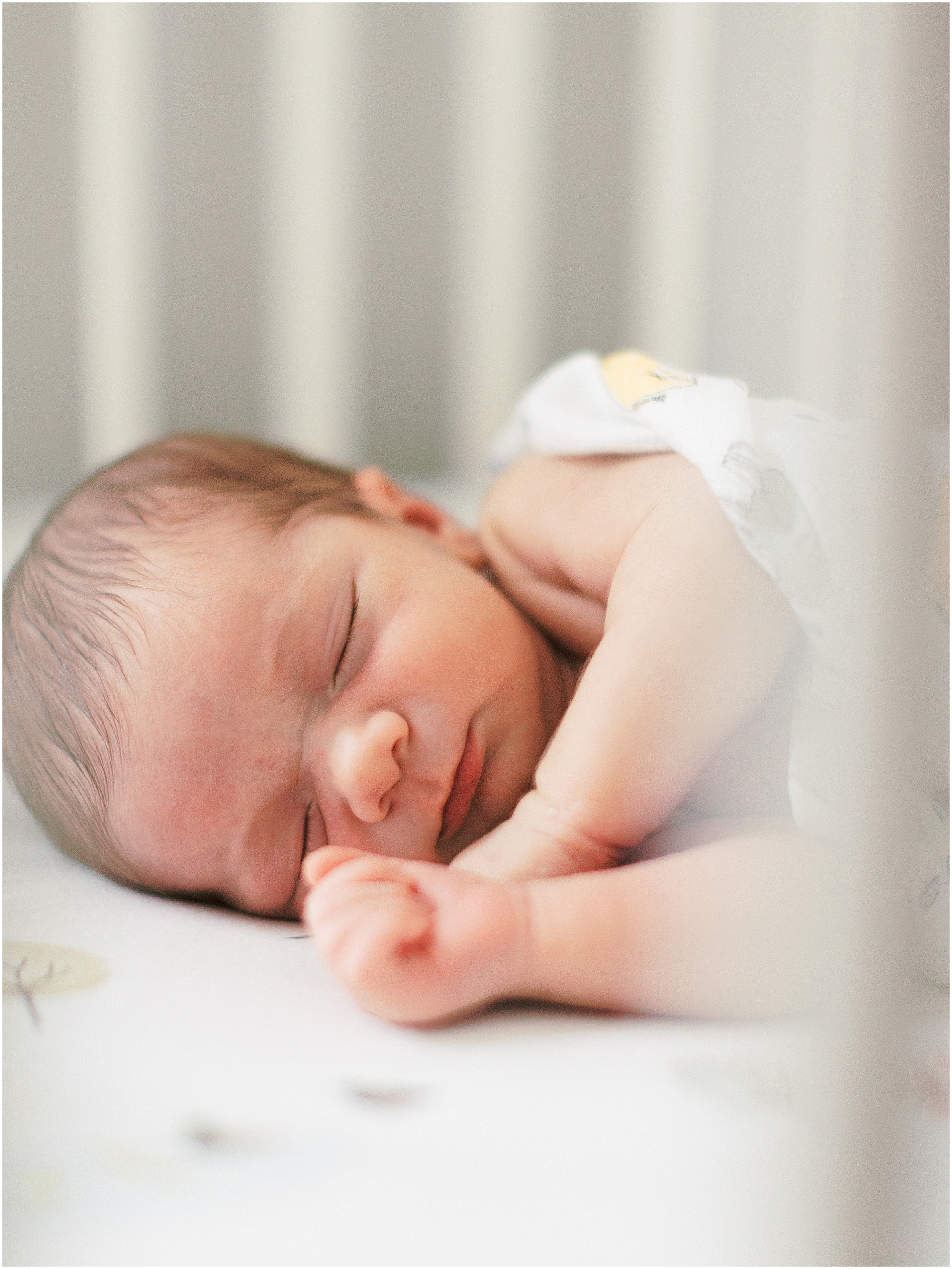 Raleigh-home-newborn-photographer-5.jpg
