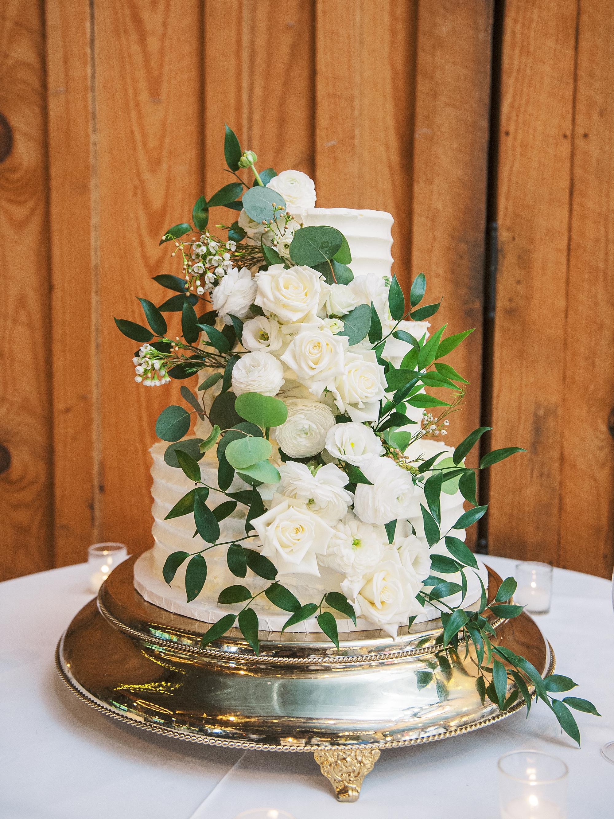 Angus-Barn-Pavilion-Raleigh-Wedding-Film-Photographer_0164.jpg