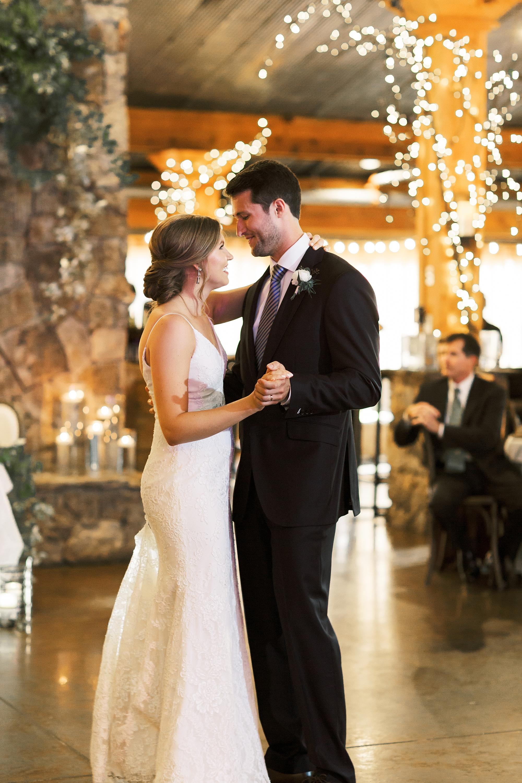 Angus-Barn-Pavilion-Raleigh-Wedding-Film-Photographer_0170.jpg