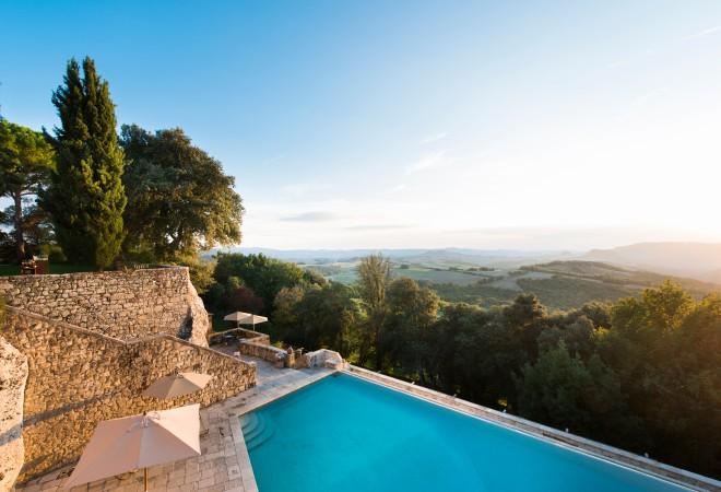 3265483-borgo-pignano-tuscany-italy (2).jpg