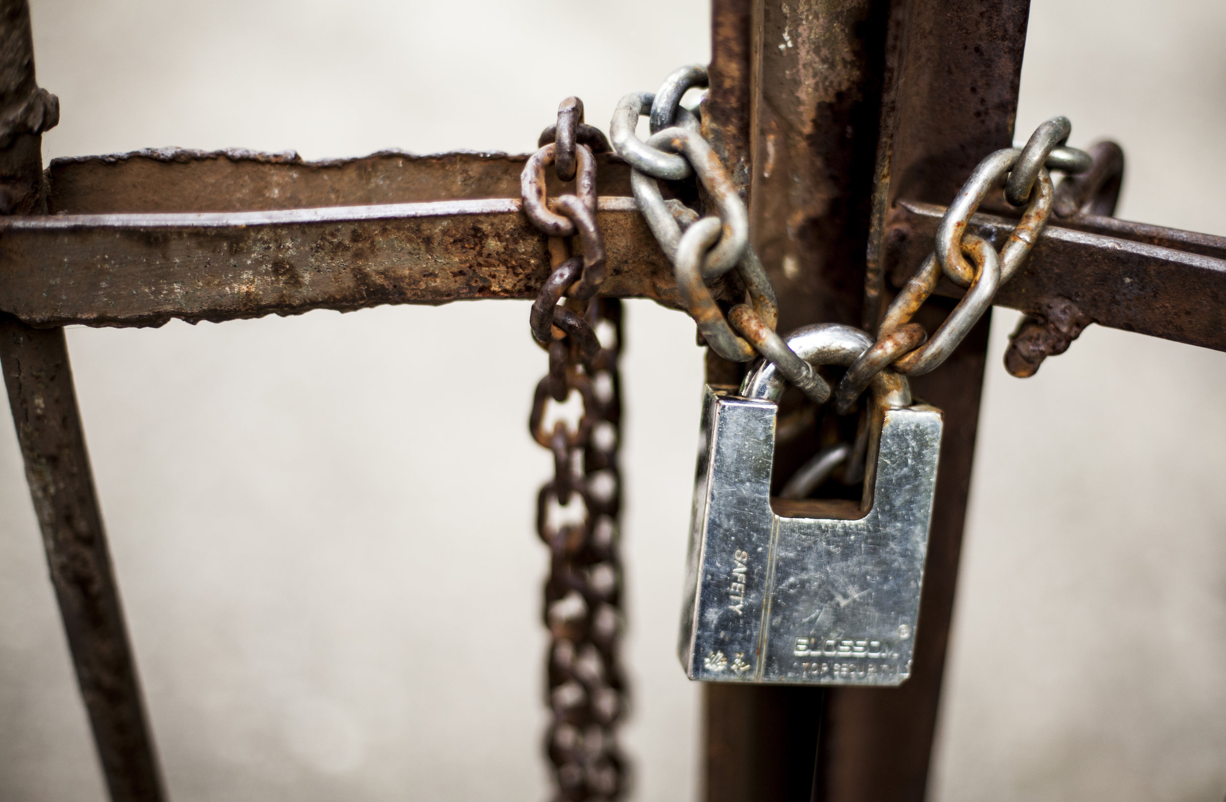 Closing down institutions -