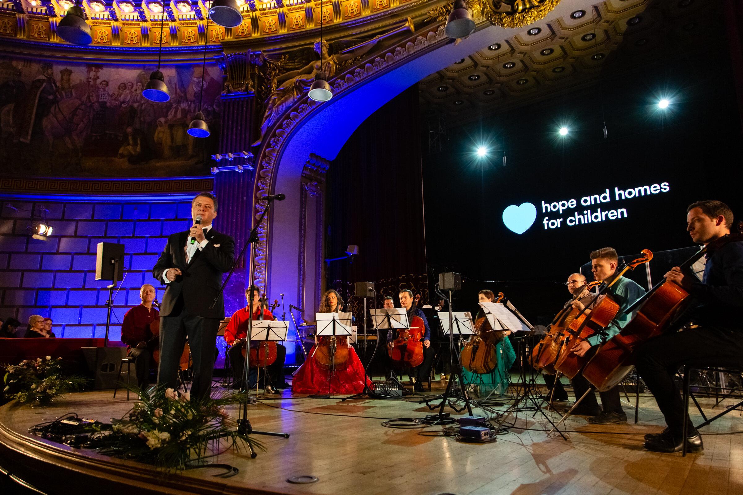 Ștefan Dărăbuș_Hope Concert 2019_Foto Mihnea Ciulei.jpg