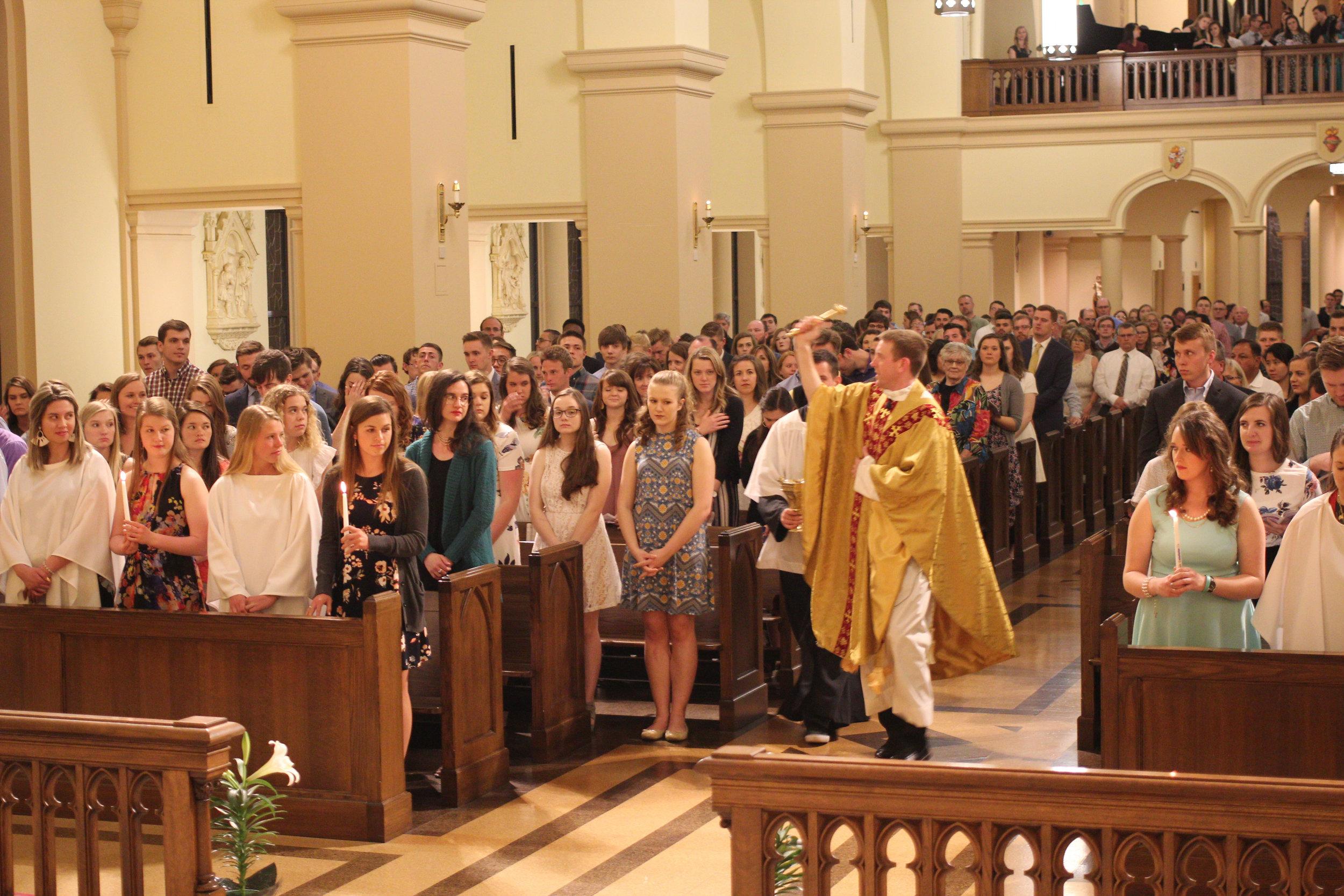 2019-04-20 Newman Easter Vigil Mass-033.jpg