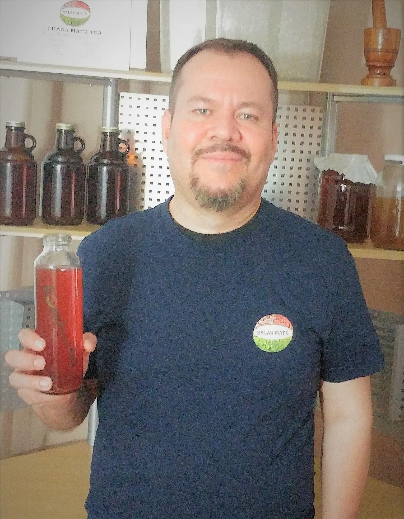 Salas Maté Kombucha    (Paraguay)   Nous avons donnés à Manannova le mandat de créer une recette pour produire un kombucha à partir d'un ingrédient non-traditionnel. Le résultat fût excellent! L'équipe a développé un produit de première qualité. Recette en main, nous partons en Amérique du Sud pour débuter notre production bientôt.   – Nicolas Salas, Fondateur.