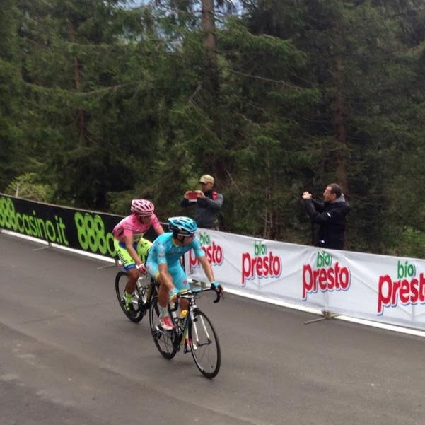 Alberto Contador in the maglia rosa at the 2015 Giro. (photo cred D. Bennett)