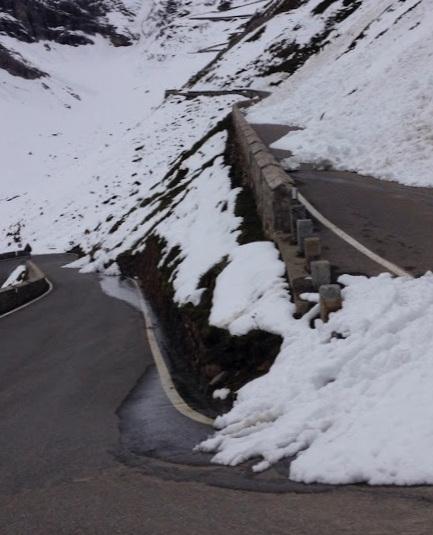 Italian roads ahead of the GIro. (pic by D. Bennett)