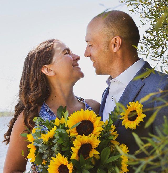 ✨ eric & elizabeth ✨  #summerwedding #weddingportrait #portraitphotography #lakechamplain #adirondackwedding #adkweddingphotographer #adk #lovelikethis #capturemoments