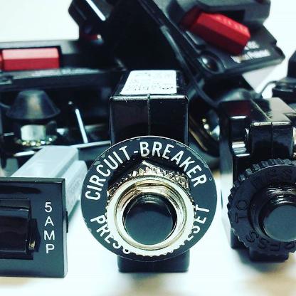 Screenshot_2018-11-30 Electronics Warehouse ( electronicswarehouse) • Instagram photos and videos.png