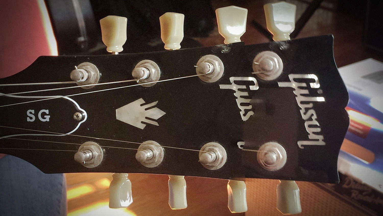 Laurie 8string headstock.jpg