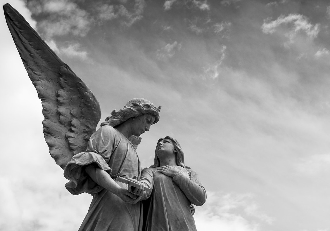 cemetery-1655378_1920.2.jpg