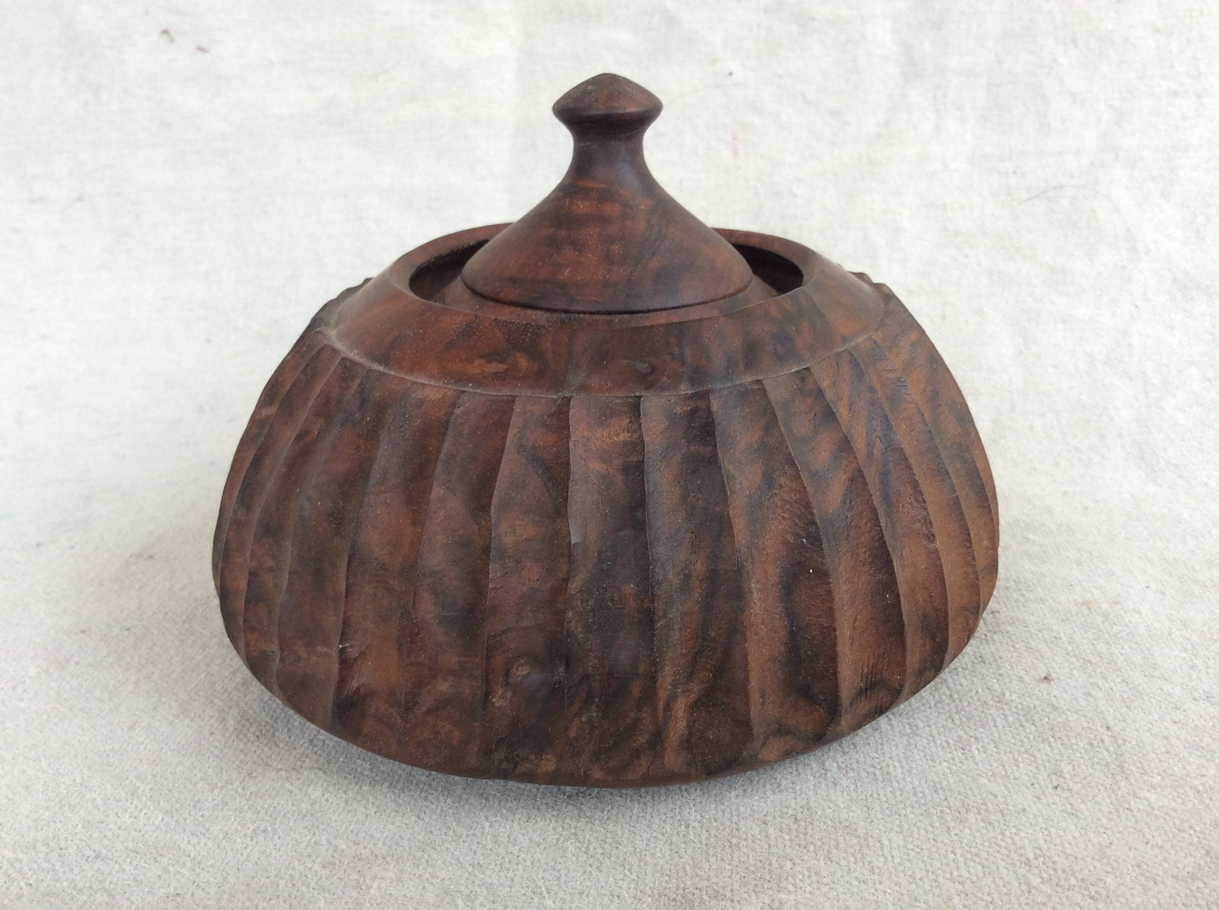 FLUTED WALNUT BOX