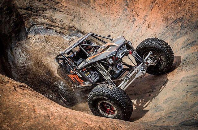 Hot tub time machine 😎🤘🏼 @fox . . . . . #cargraphics #vehiclewraps #laidnotsprayed #decals #diesel #vinylwraps #printed #digital #media #jeeplife #cummins #powerstroke #offroad #lifted #chevy #wrapped #duramax #v8 #truck #trucks #liftedtrucks #offroading #crawl #jeep #truckporn #ram #4x4 #adventure #gooutside #moab