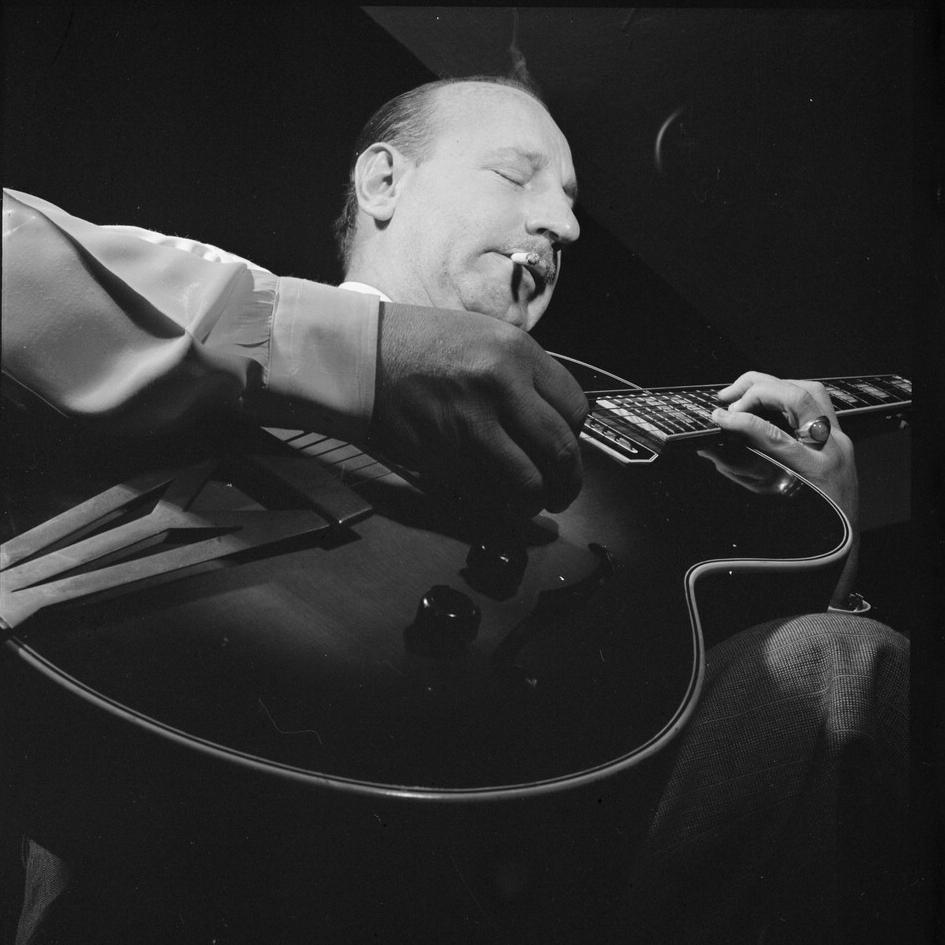 Carl Kress - March 29, 1936Carl Kress, Dick McDonough (g)17. Heat Wave