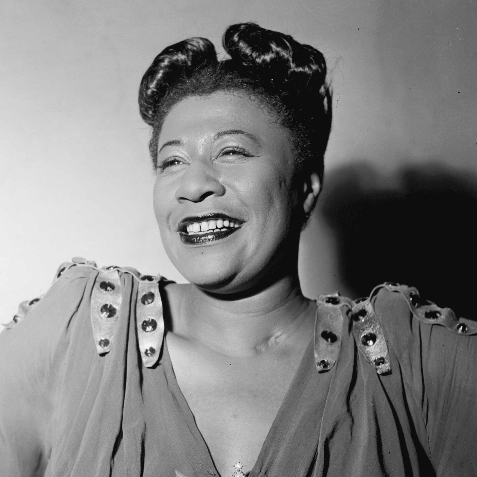 Ella Fitzgerald - August 13, 1938Ella Fitzgerald (voc), Chick Webb (d) Accompanied by unknown personnel from CBS Studio Orchestra4. A-Tisket, A-Tasket5. I've Been Saving Myself for You