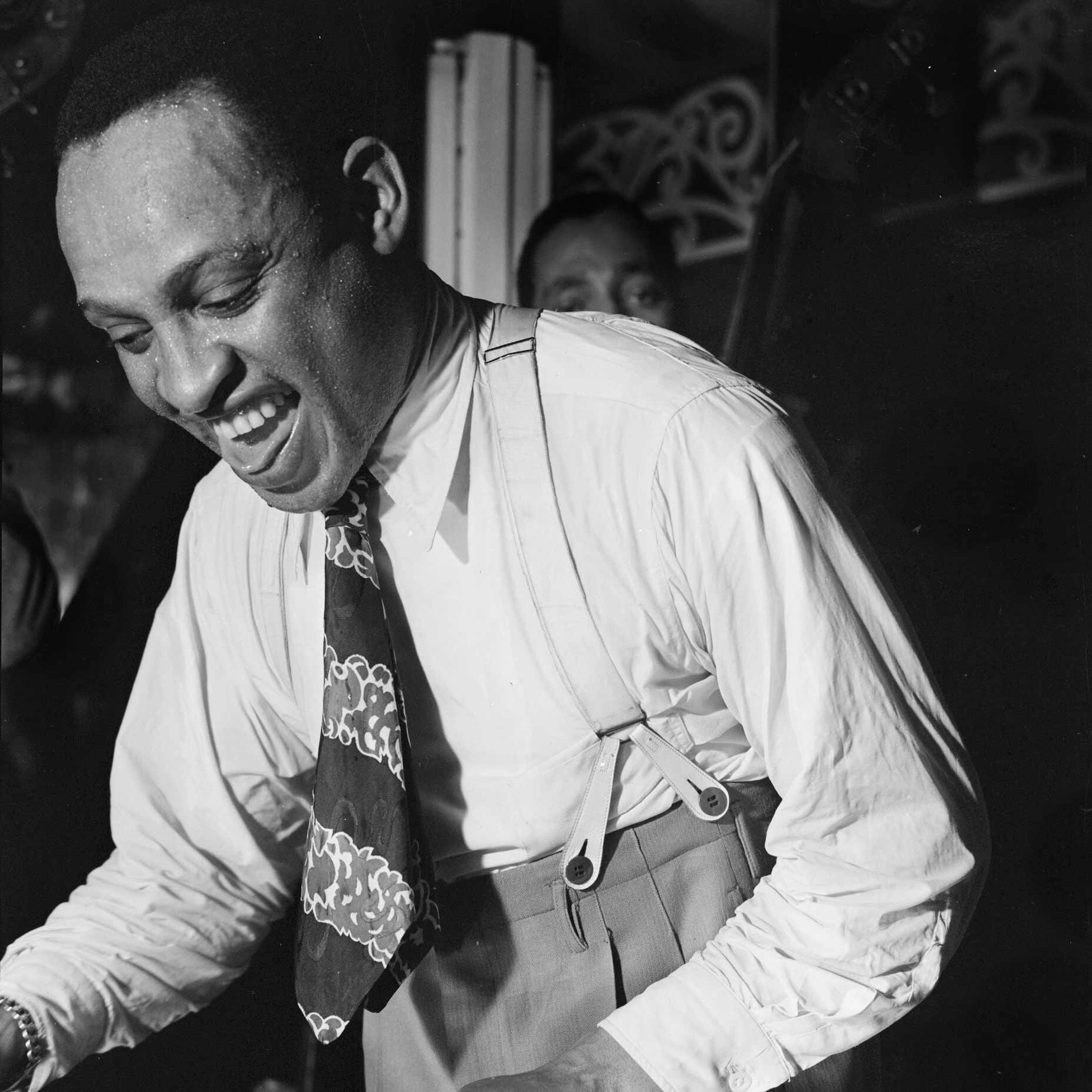Lionel Hampton - December 28, 1938Jam session with Charlie Shavers (tp), Vernon Brown (tb), Dave Matthews (as), Herschel Evans (ts), Howard Smith (p), Milt Hinton (b), Cozy Cole (d), Lionel Hampton (vib, p, voc).12. Dinah13. Blues14. Chinatown, My Chinatown15. Stardust16. Rosetta