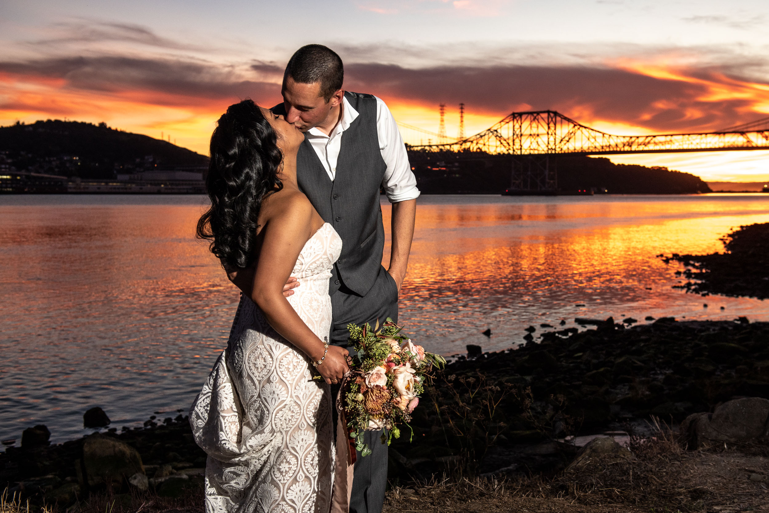 the-lighthouse-at-glen-cove-marina-vallejo-wedding-photography-28.jpg
