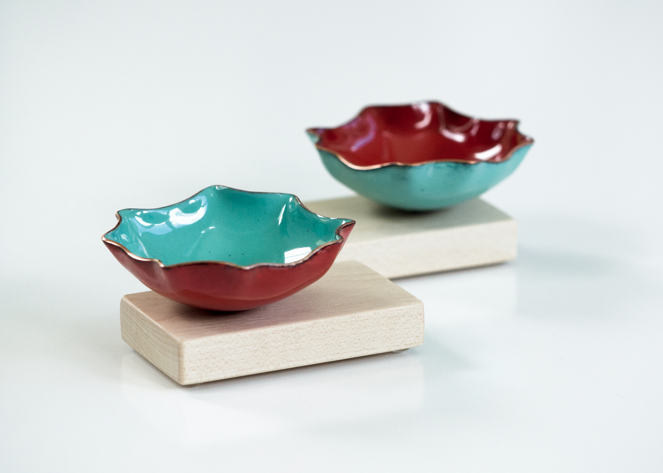 cg-grisez_bitty-bowl-with-wood-base-red-turquoise.jpg