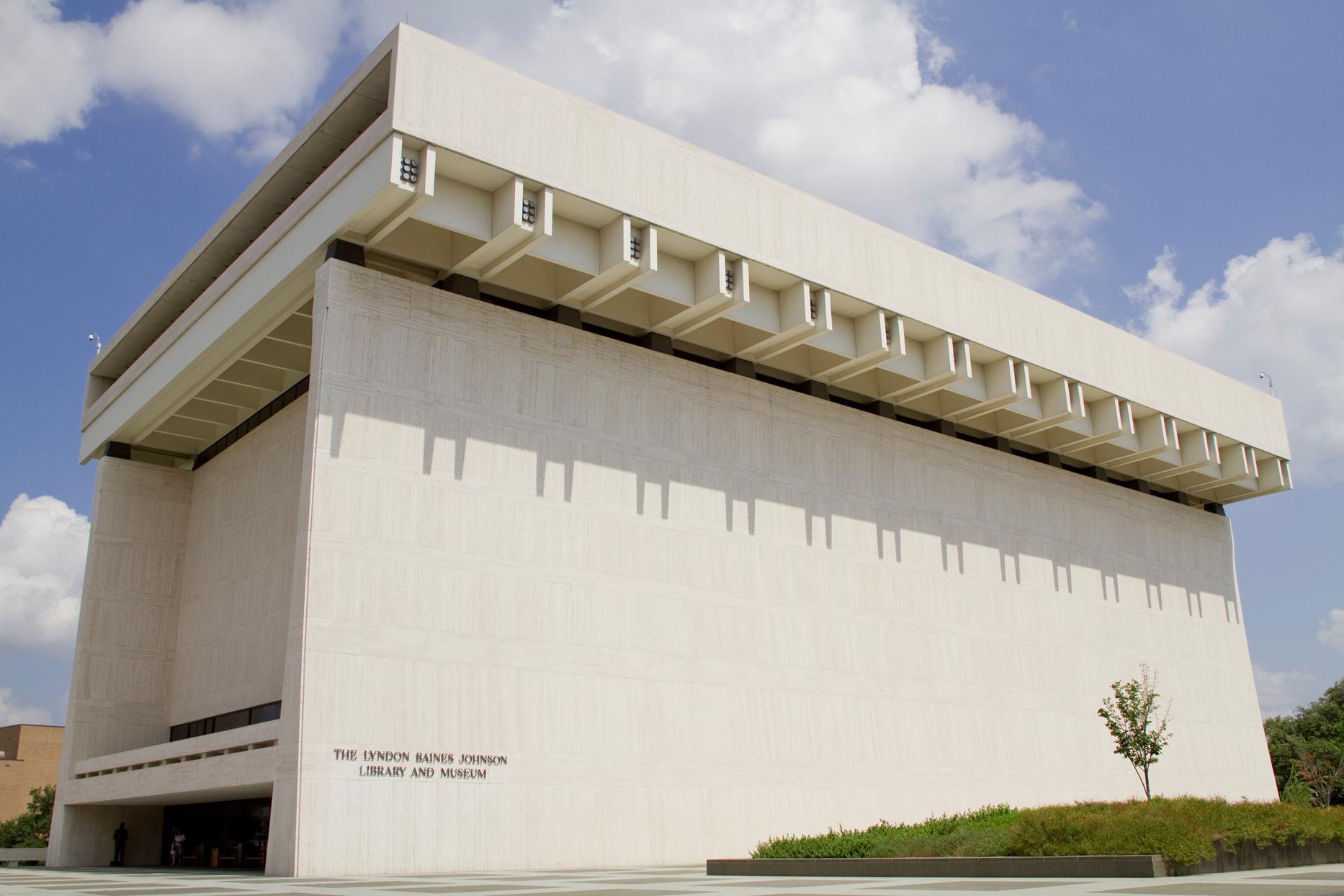 LBJ Presidential Library.jpg