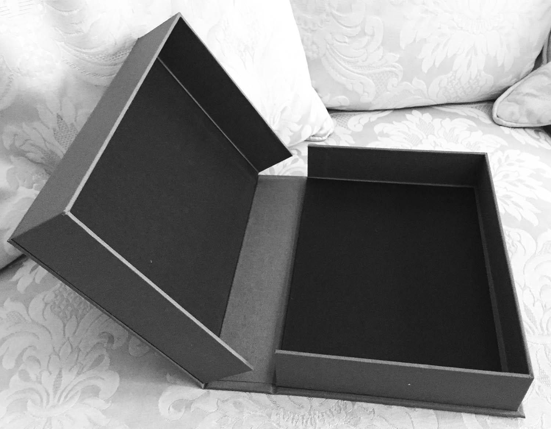 Solander box1.jpg