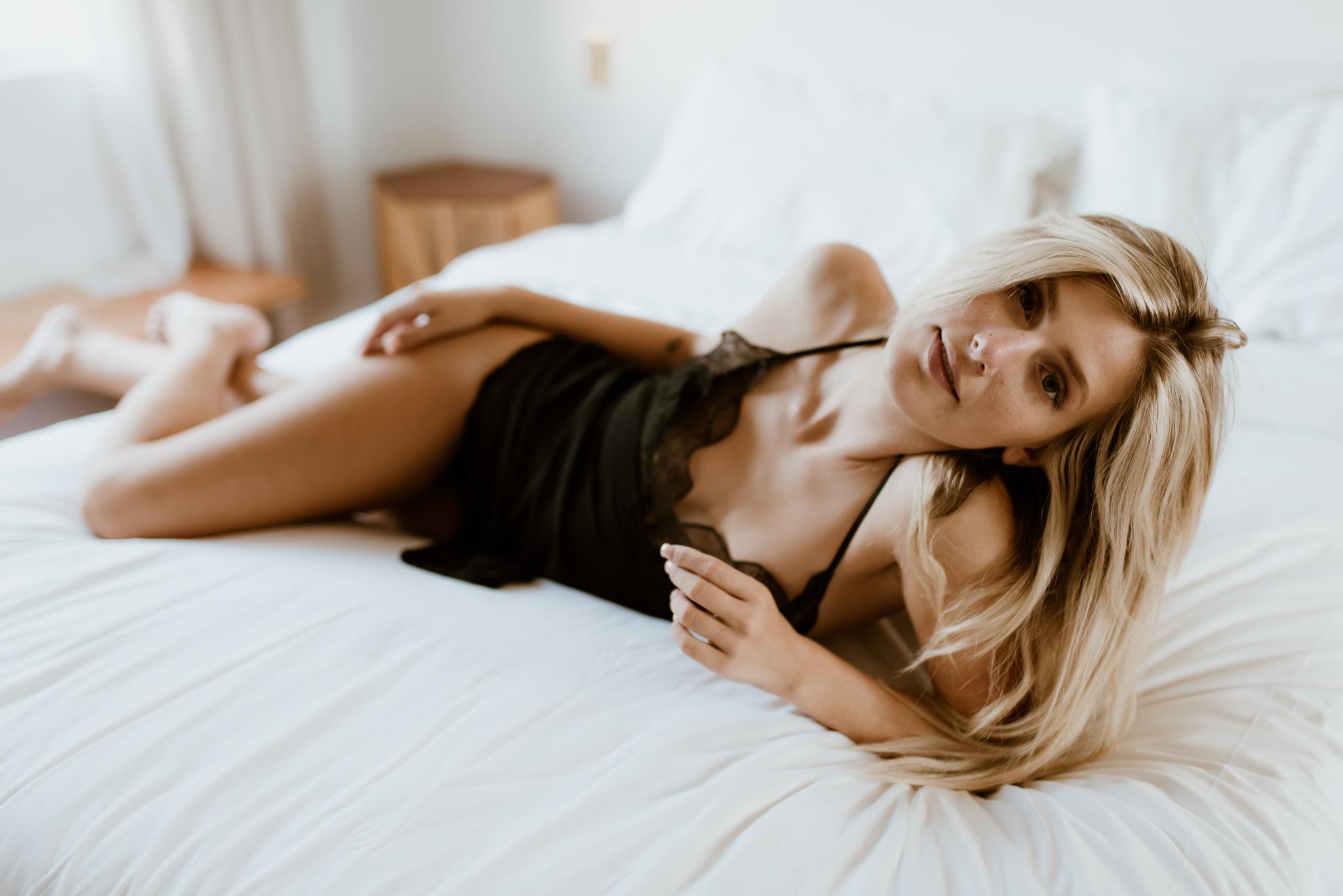 Alamo Motel boudoir session