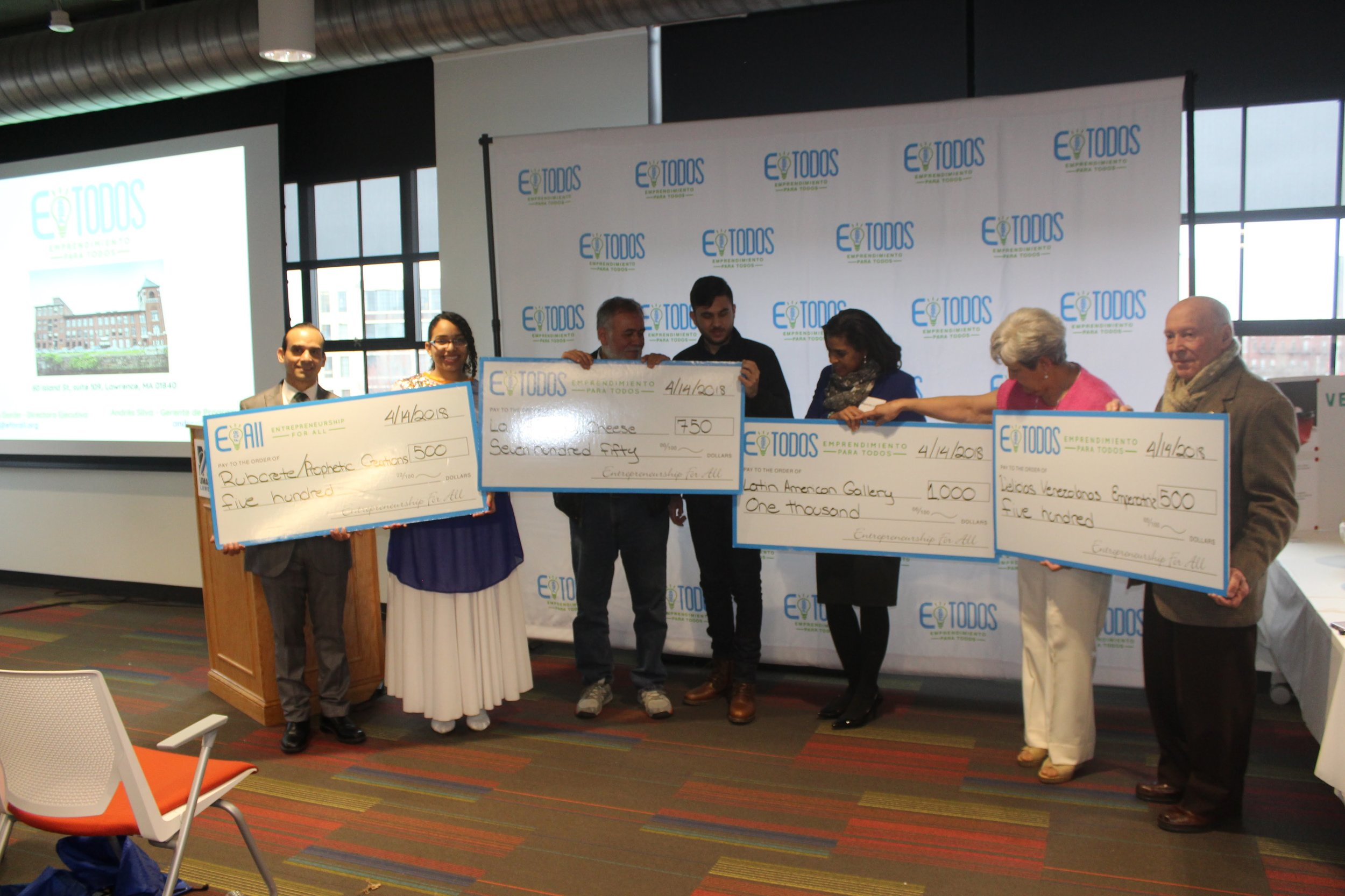 WCC Lowell partnered with EparaTodos (EforAll) to provide the 1st Spanish-speaking contest in Lowell