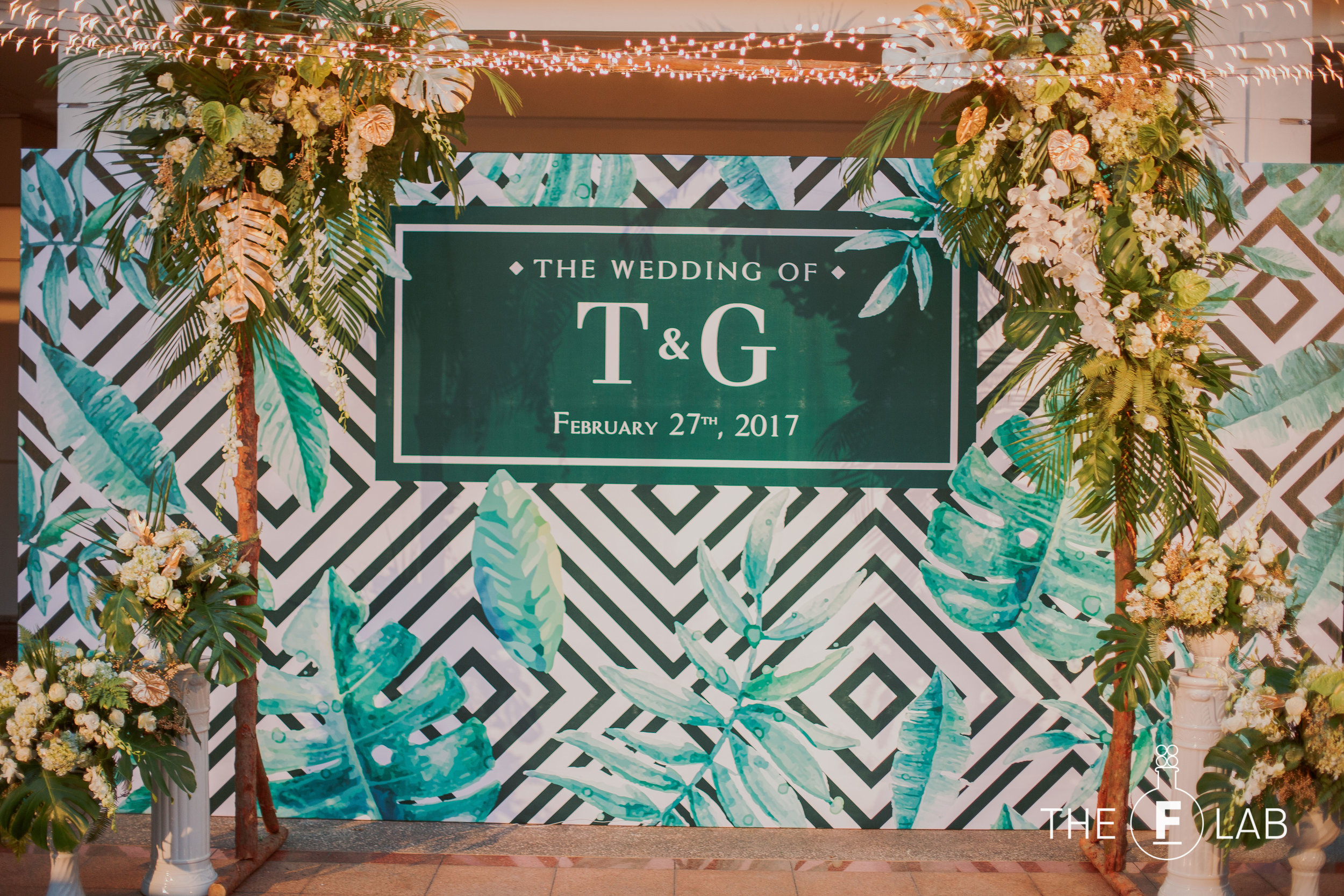 THE CONCEPT - Giang, our lovely bride had a clear vision how her special day would be. She fell in love with the tropical decoration concept before our first meeting.