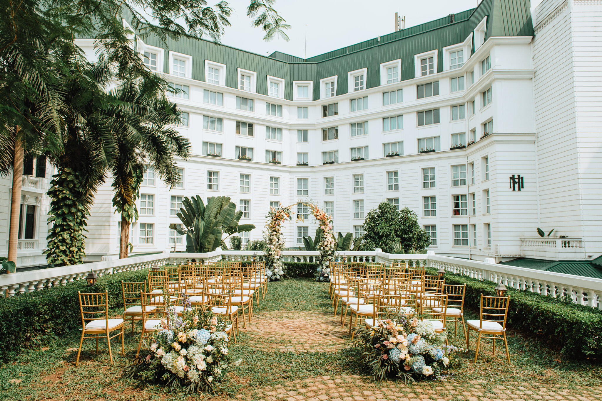 OMBRE TRANSITION - Van & Quang Anh tie the knot at Sofitel Legend Metropole Hanoi